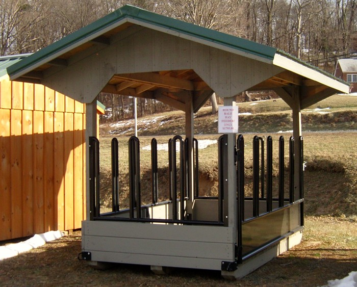 Hay Truck Shelter : Hay feeder with metal roof capitol sheds